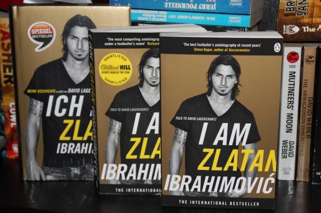 Wie man unschwer erkennen kann gibt es (neben einer familiären Kommunikationsschwäche zum Thema Weihnachtsgeschenke) in unserem Haushalt einen erhöhten Druck, die Biographie von Zlatan Ibrahimović zu lesen.